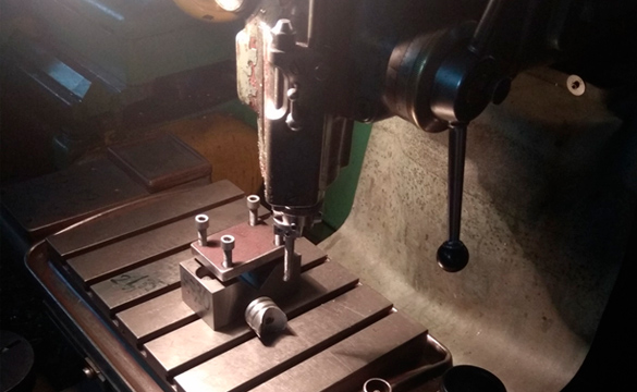 готовая втулка бокового поджима на координатно-расточном станке